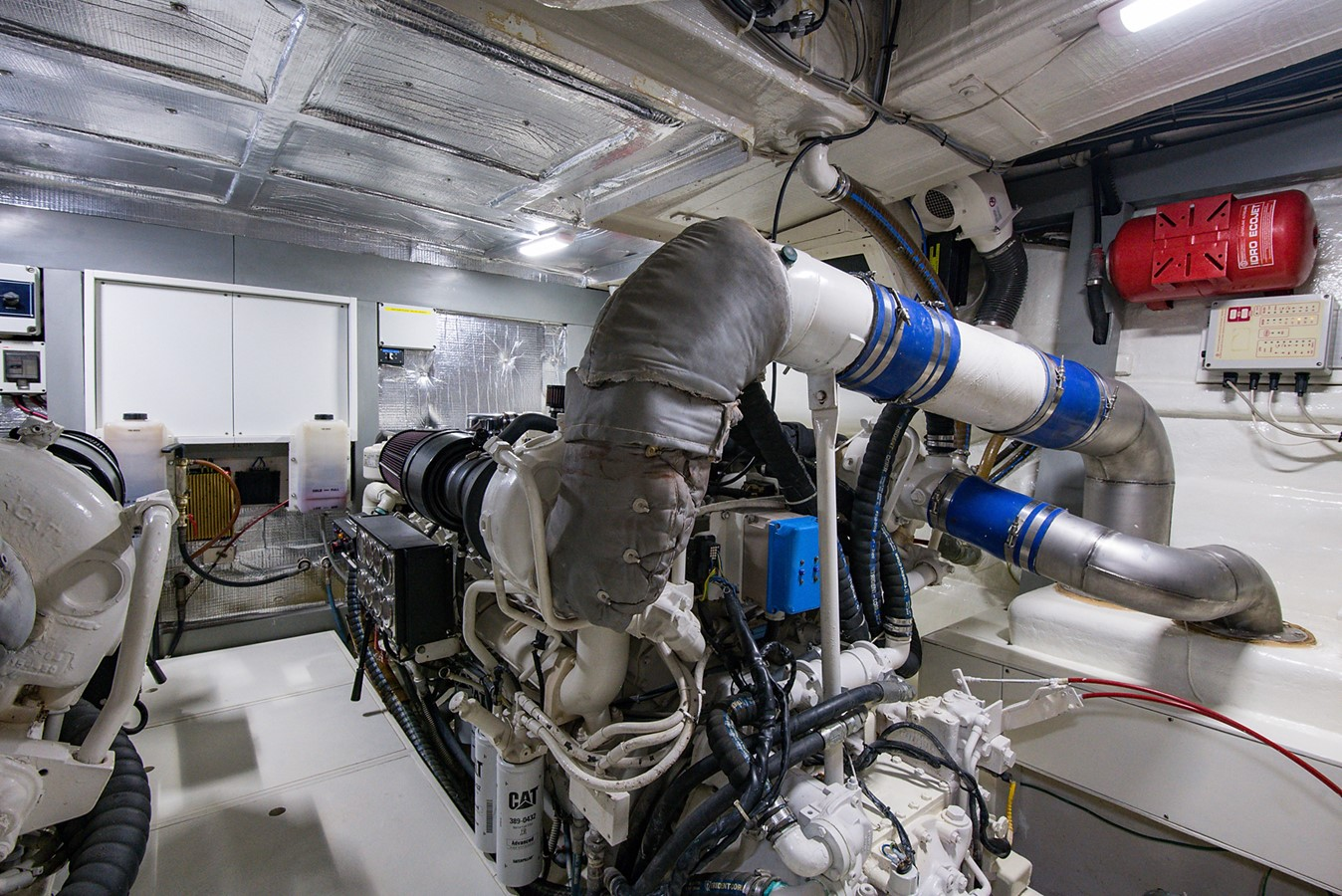 2000 PERSHING 65 Motor Yacht 2350358