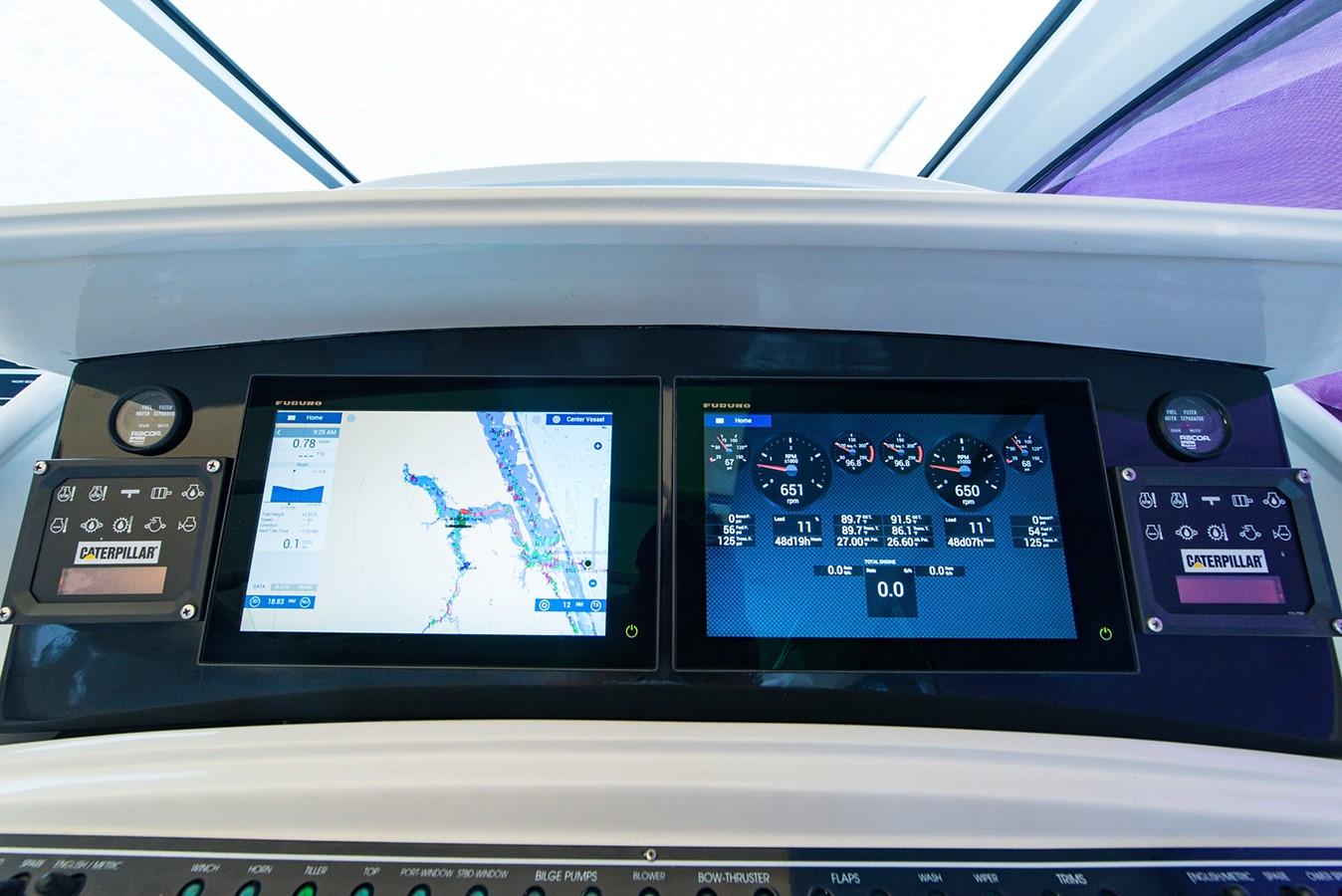 2000 PERSHING 65 Motor Yacht 2350380