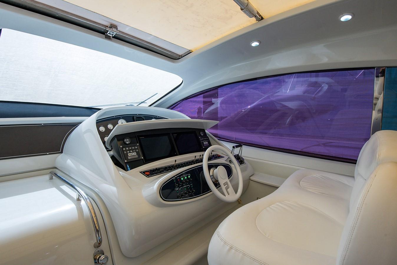 2000 PERSHING 65 Motor Yacht 2350385