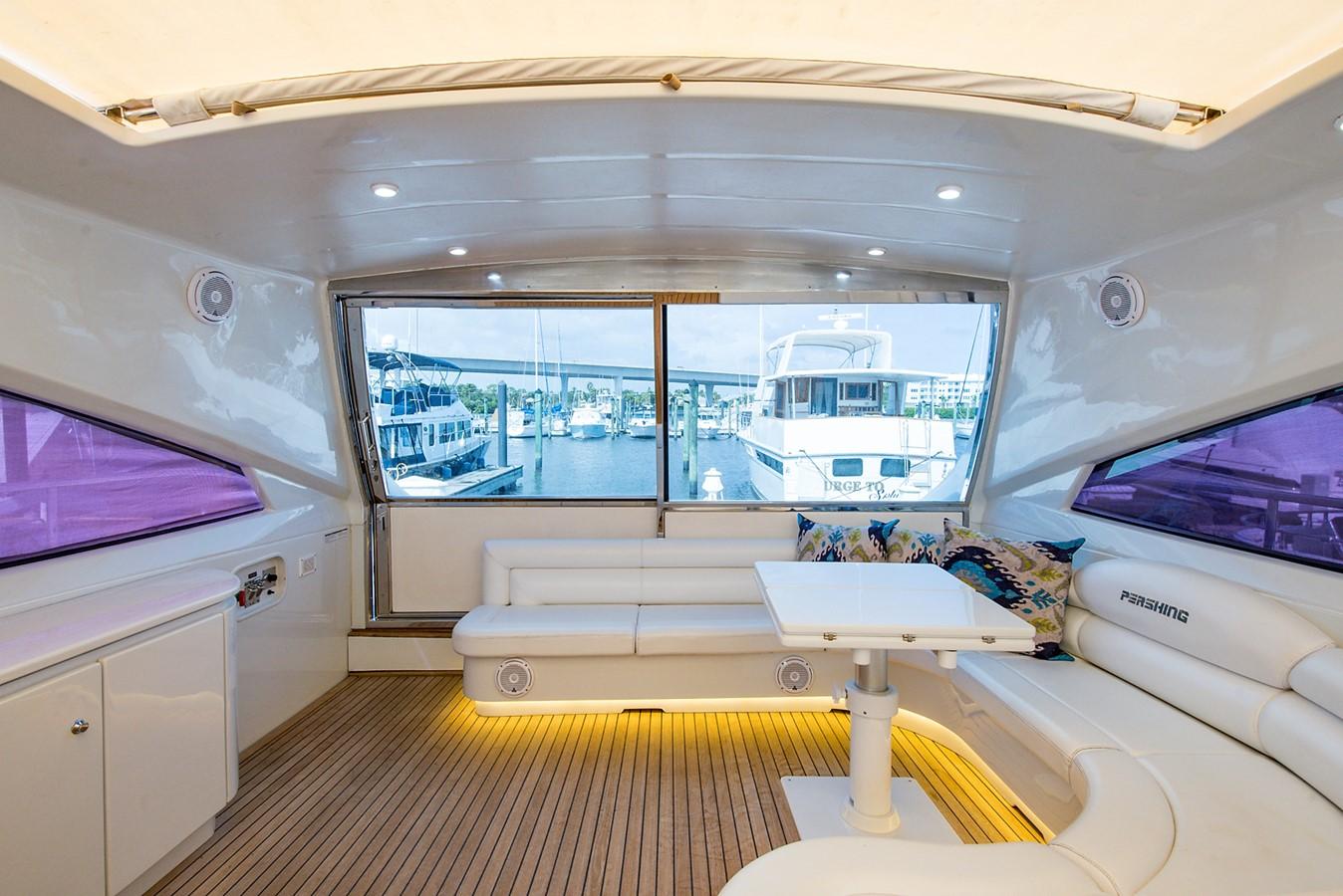 2000 PERSHING 65 Motor Yacht 2350389