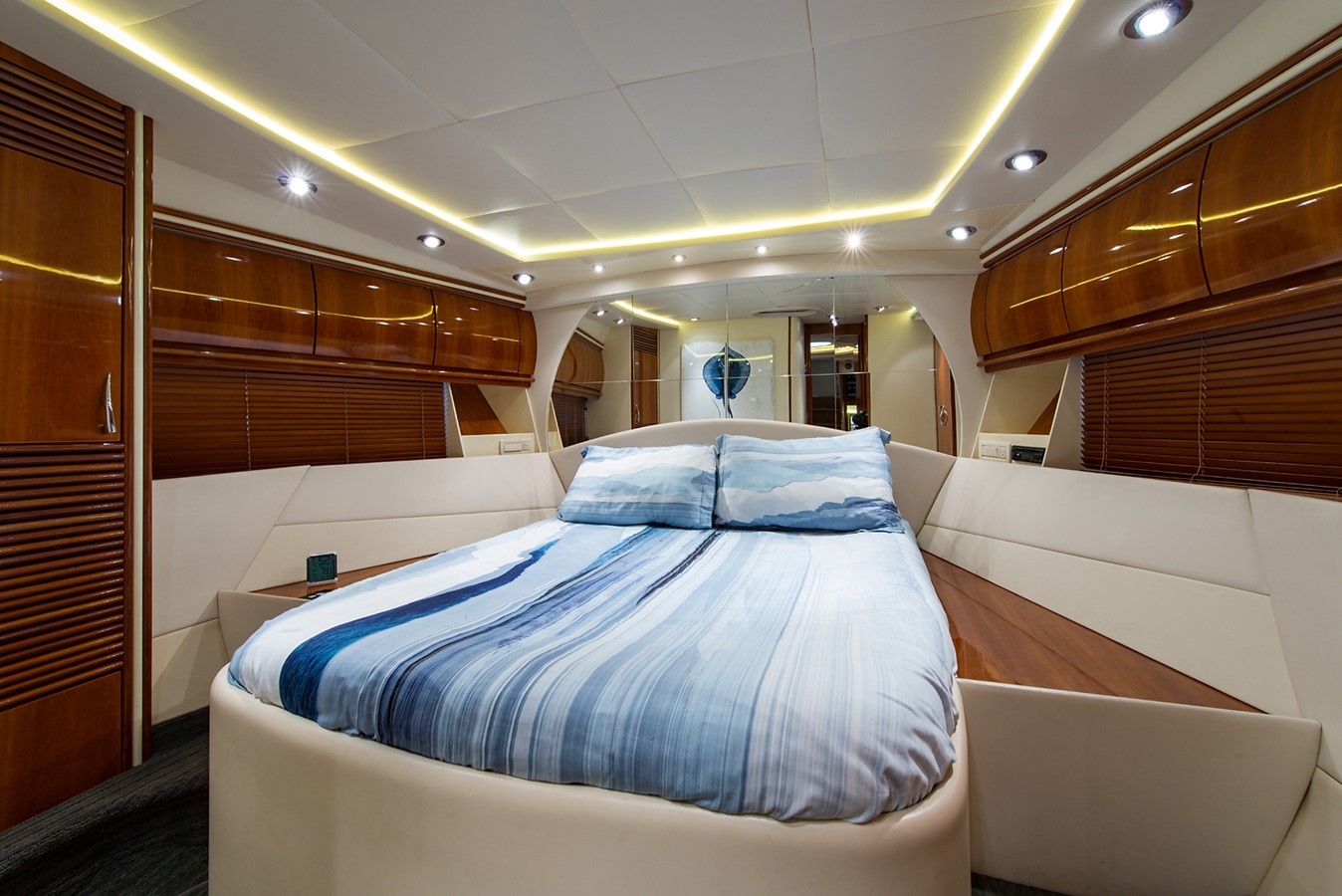 2000 PERSHING 65 Motor Yacht 2350394