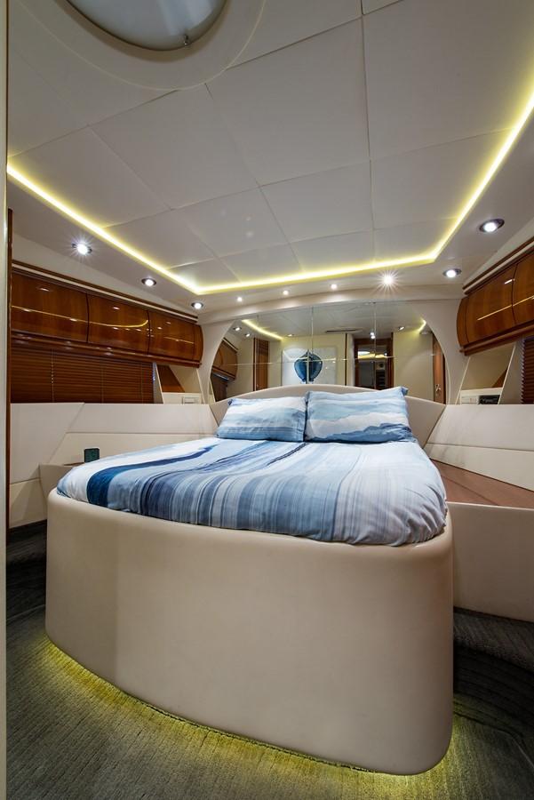 2000 PERSHING 65 Motor Yacht 2350395