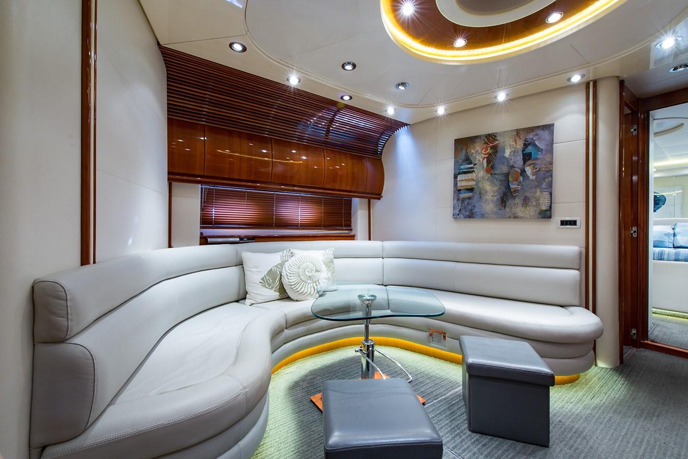 2000 PERSHING 65 Motor Yacht 2350419