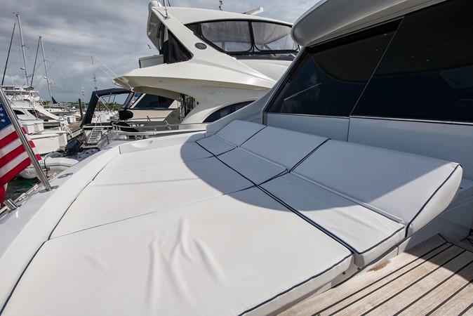 2000 PERSHING 65 Motor Yacht 2350345