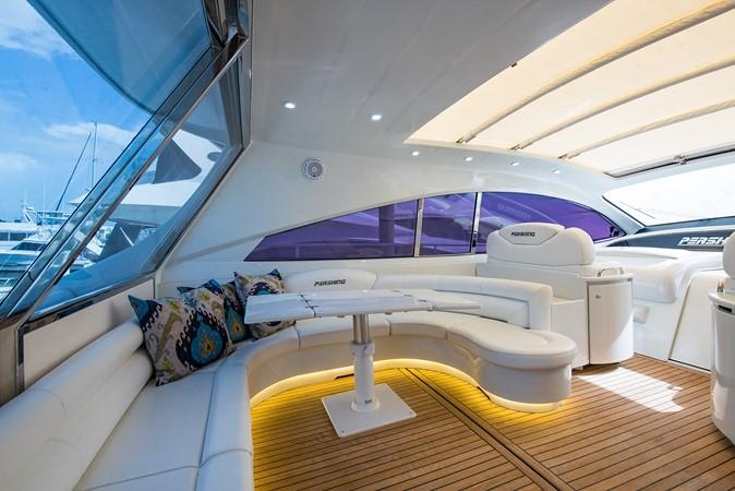 2000 PERSHING 65 Motor Yacht 2350369
