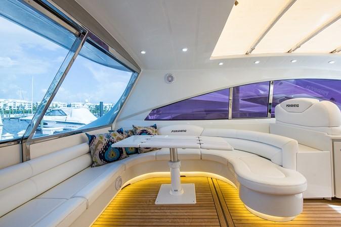 2000 PERSHING 65 Motor Yacht 2350370
