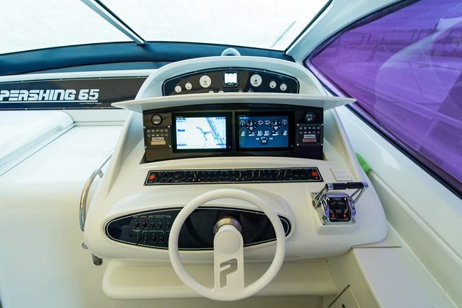 2000 PERSHING 65 Motor Yacht 2350379