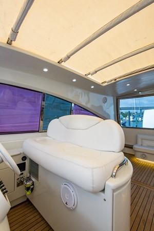 2000 PERSHING 65 Motor Yacht 2350391