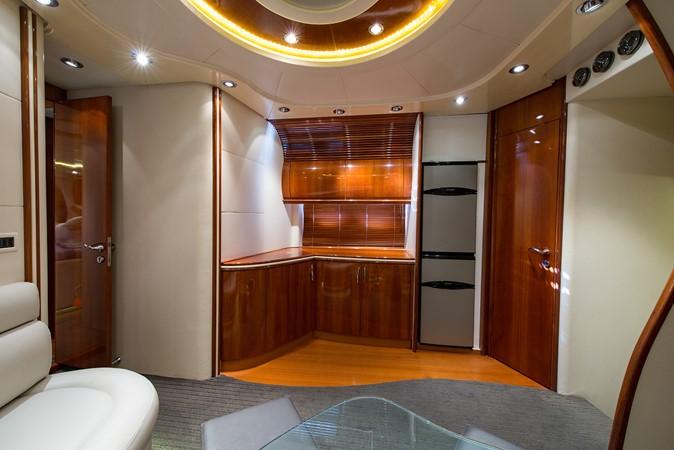 2000 PERSHING 65 Motor Yacht 2350397