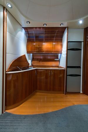 2000 PERSHING 65 Motor Yacht 2350401