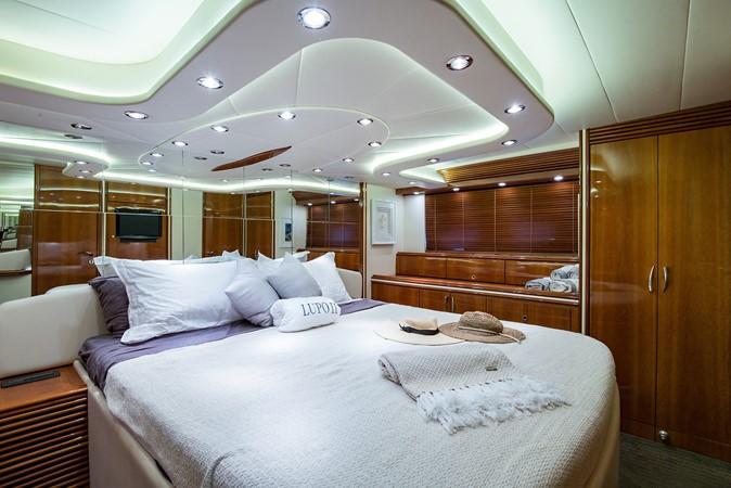 2000 PERSHING 65 Motor Yacht 2350410