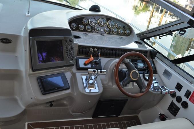 2002 Cruisers Yachts  Motor Yacht 2454425