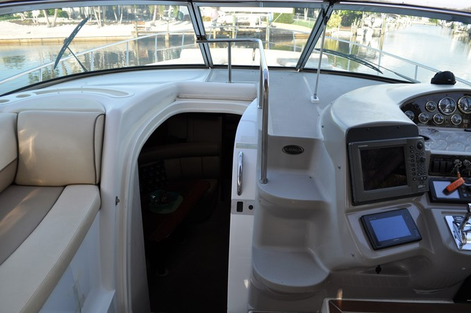 2002 Cruisers Yachts  Motor Yacht 2454429