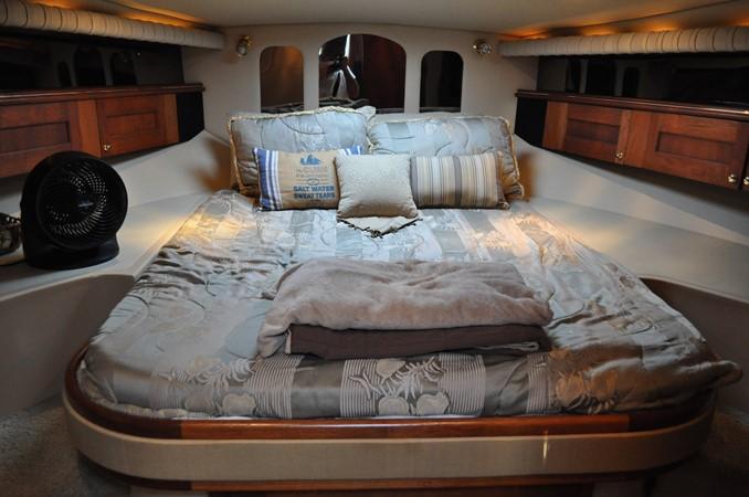 2002 Cruisers Yachts  Motor Yacht 2454448