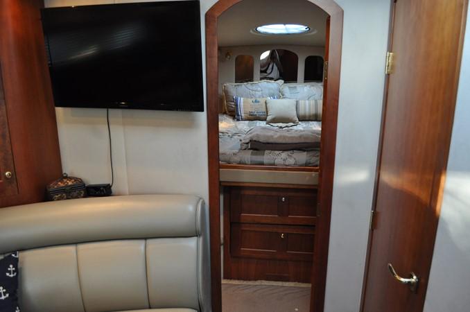 2002 Cruisers Yachts  Motor Yacht 2454455