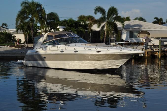 2002 Cruisers Yachts  Motor Yacht 2454468