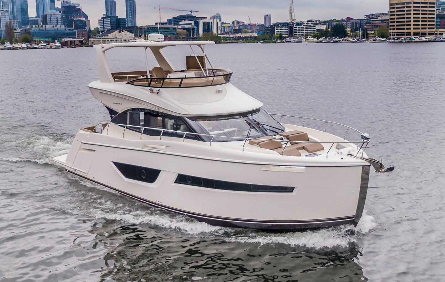 2019 CARVER C52 Motor Yacht 2520772