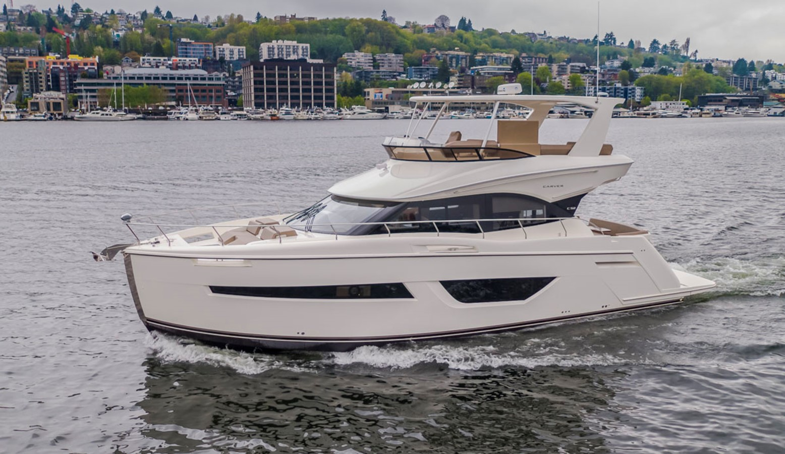 2019 CARVER C52 Motor Yacht 2520778