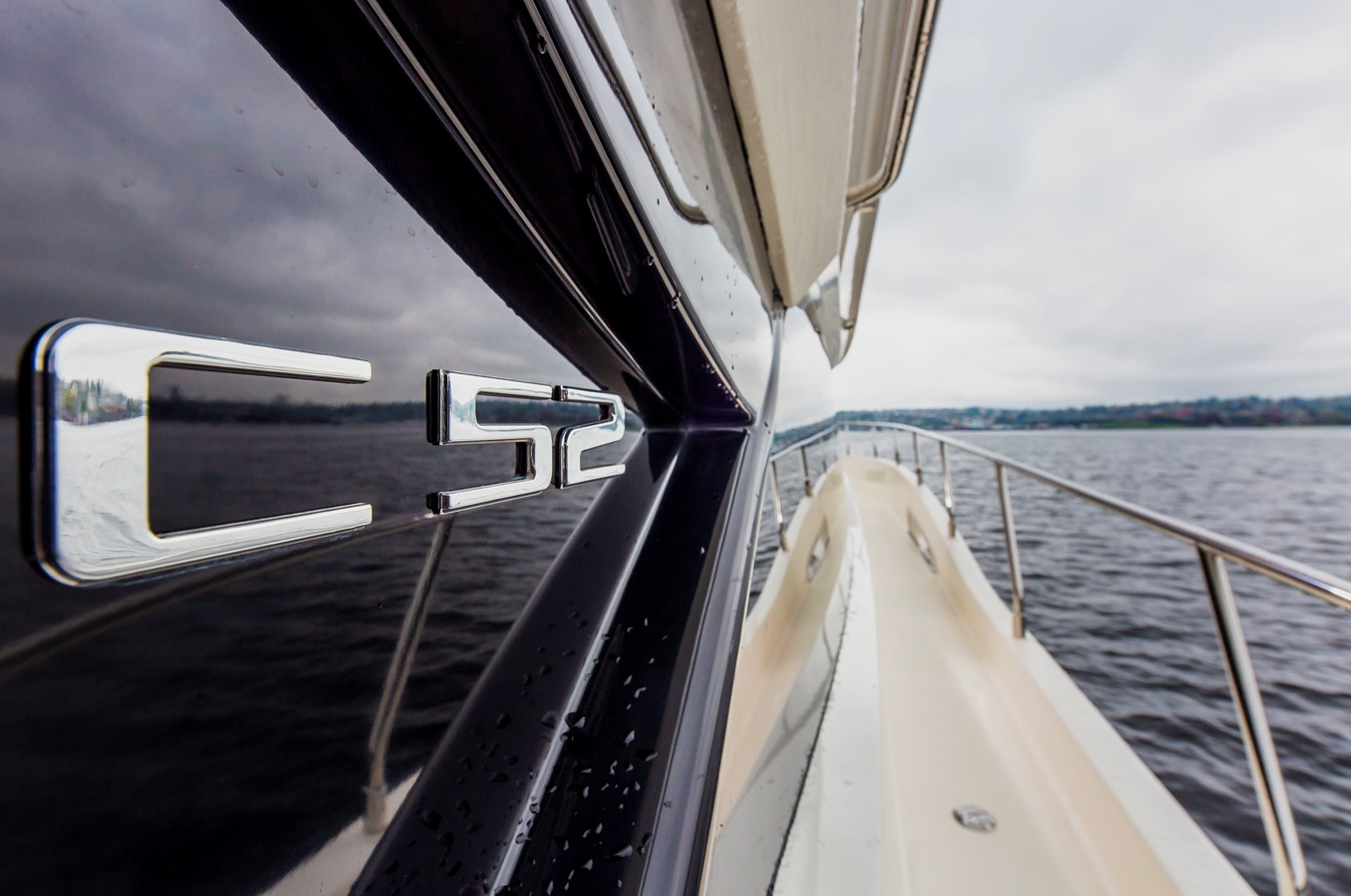 2019 CARVER C52 Motor Yacht 2520786