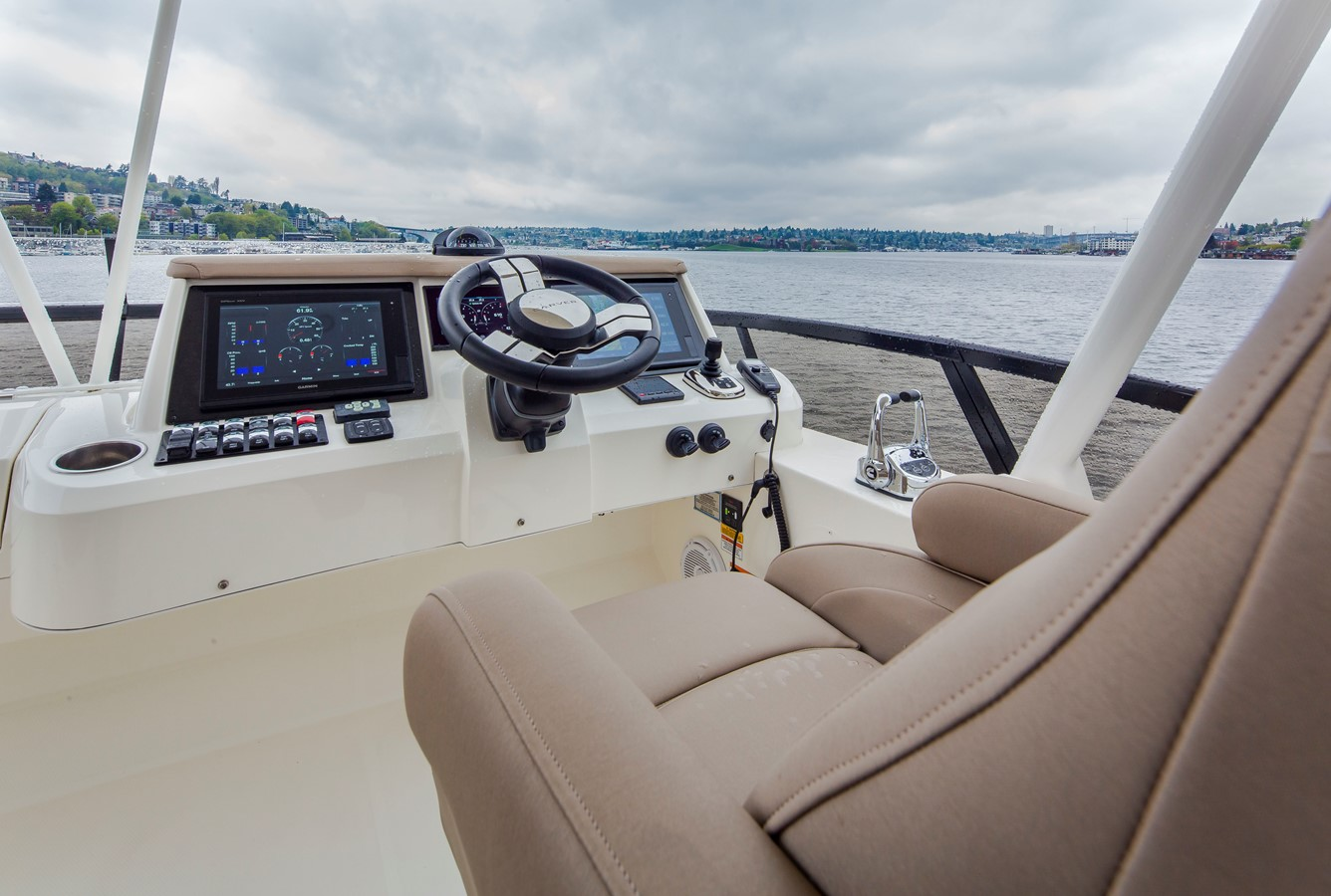 2019 CARVER C52 Motor Yacht 2520804