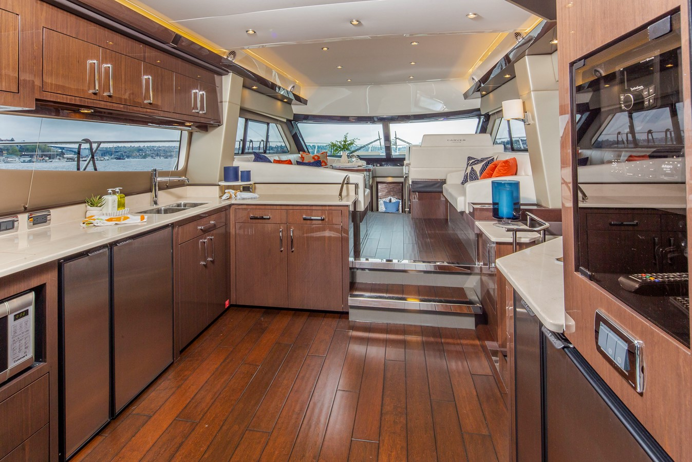 2019 CARVER C52 Motor Yacht 2520810