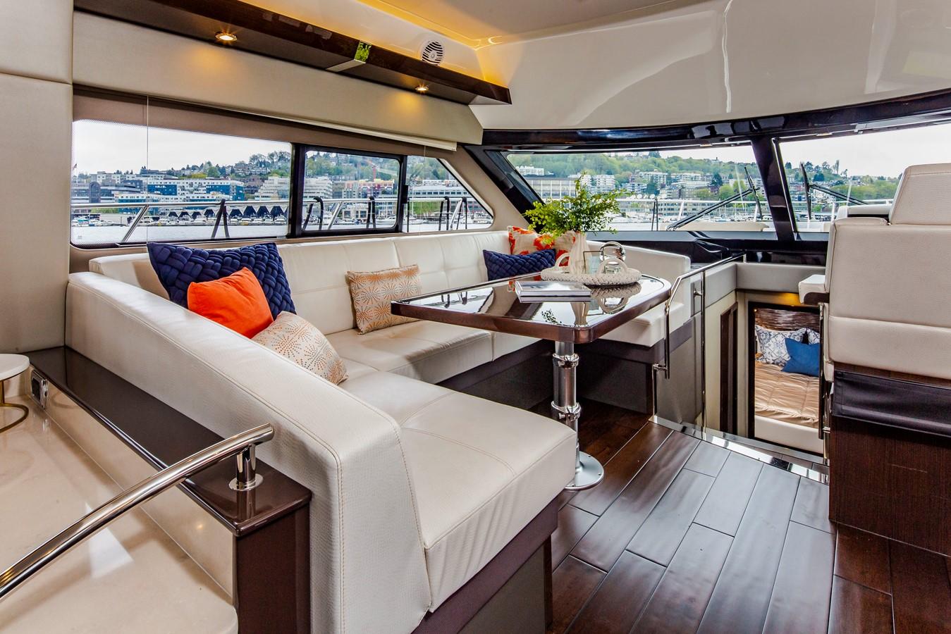 2019 CARVER C52 Motor Yacht 2520820