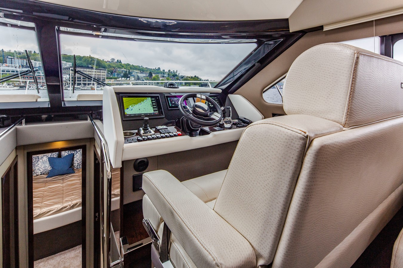 2019 CARVER C52 Motor Yacht 2520824