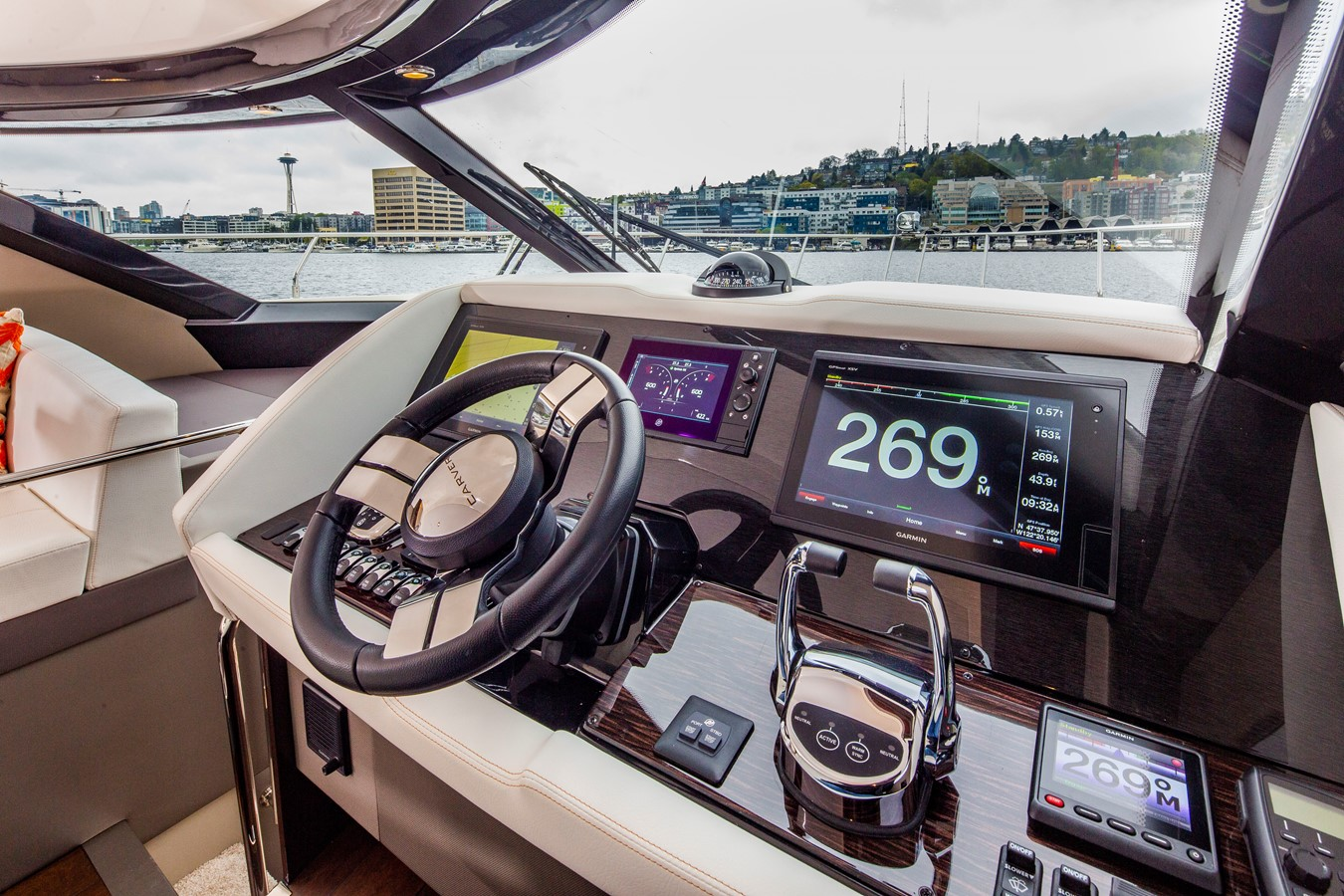 2019 CARVER C52 Motor Yacht 2520828