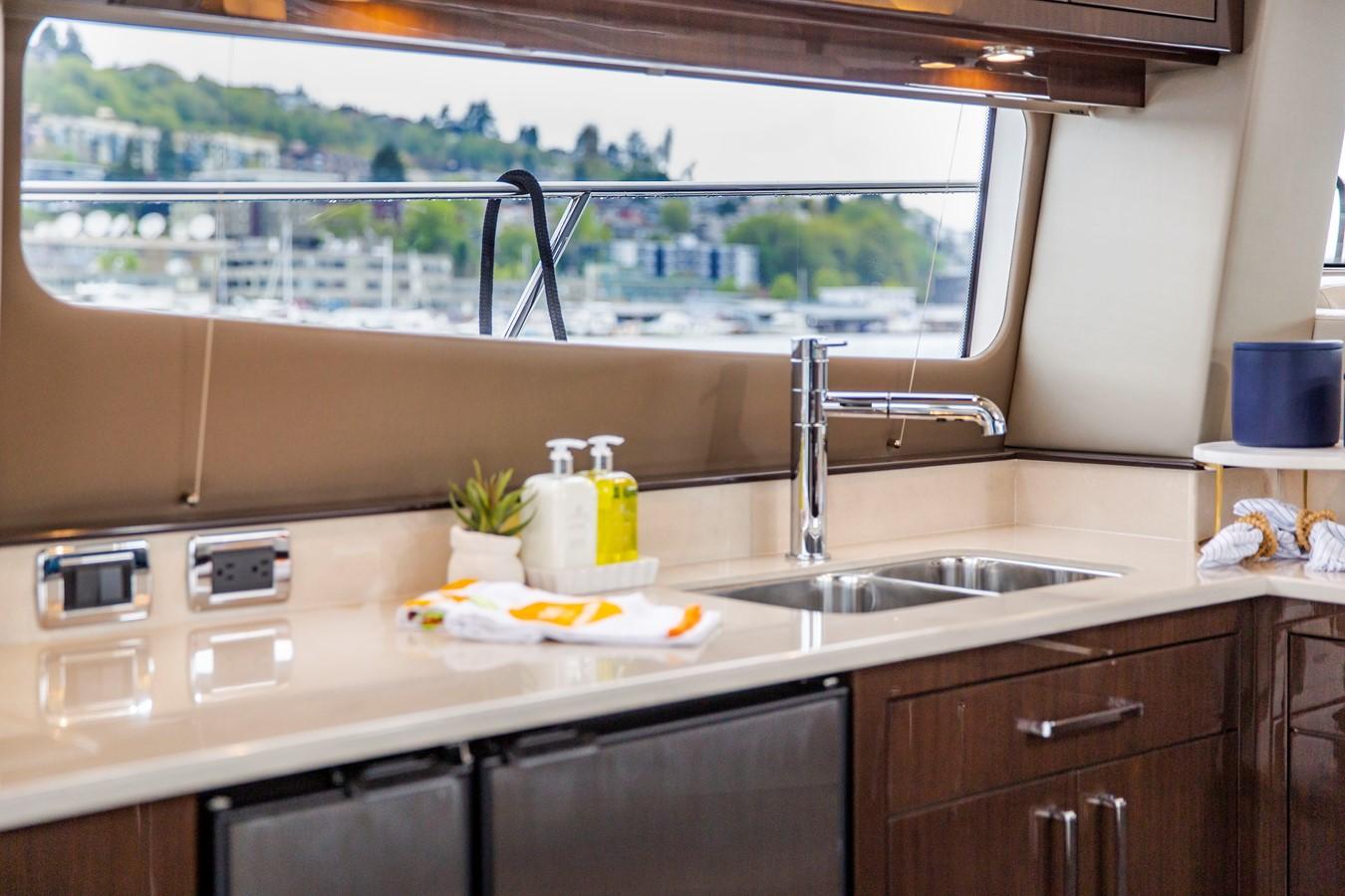 2019 CARVER C52 Motor Yacht 2520832
