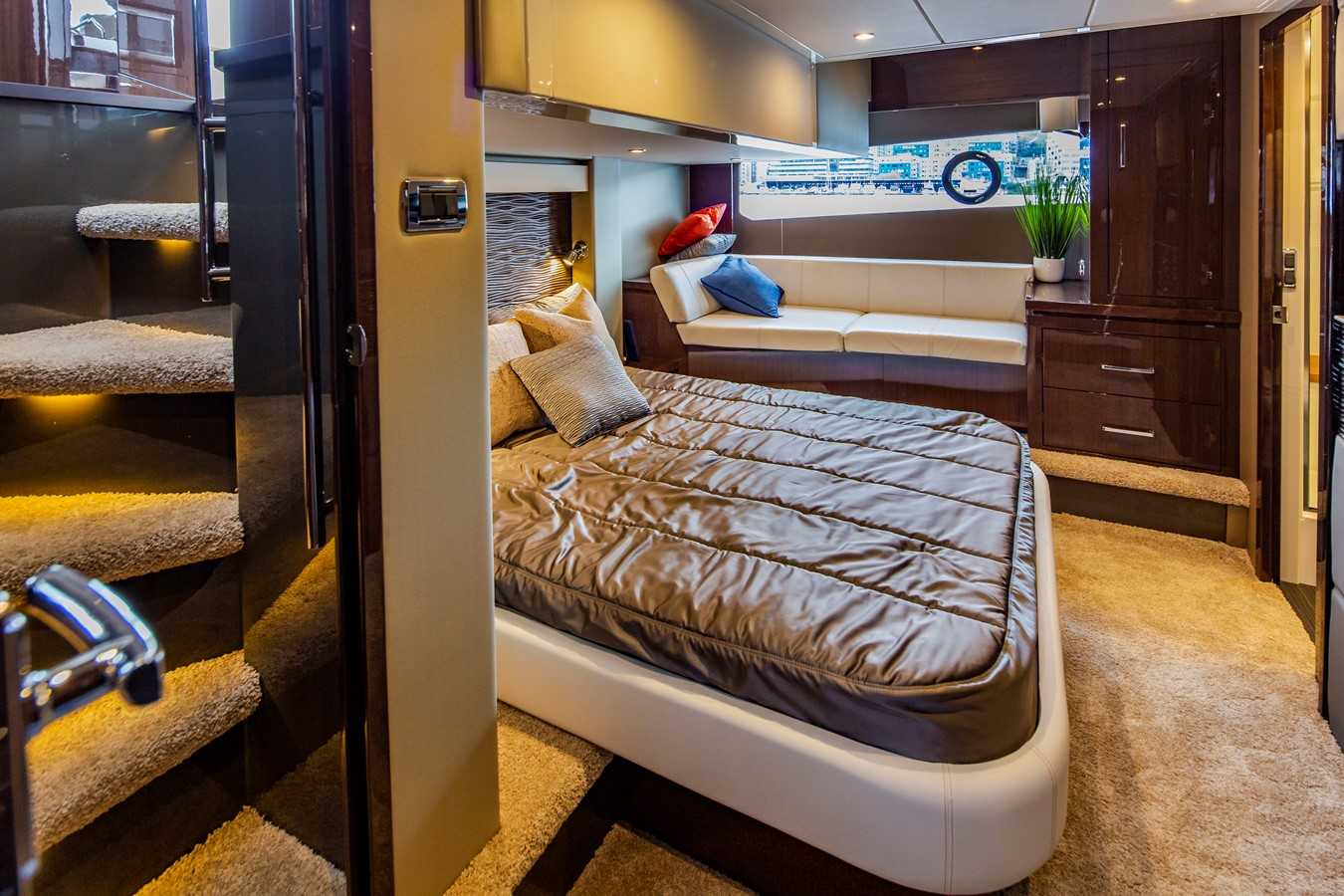2019 CARVER C52 Motor Yacht 2520842