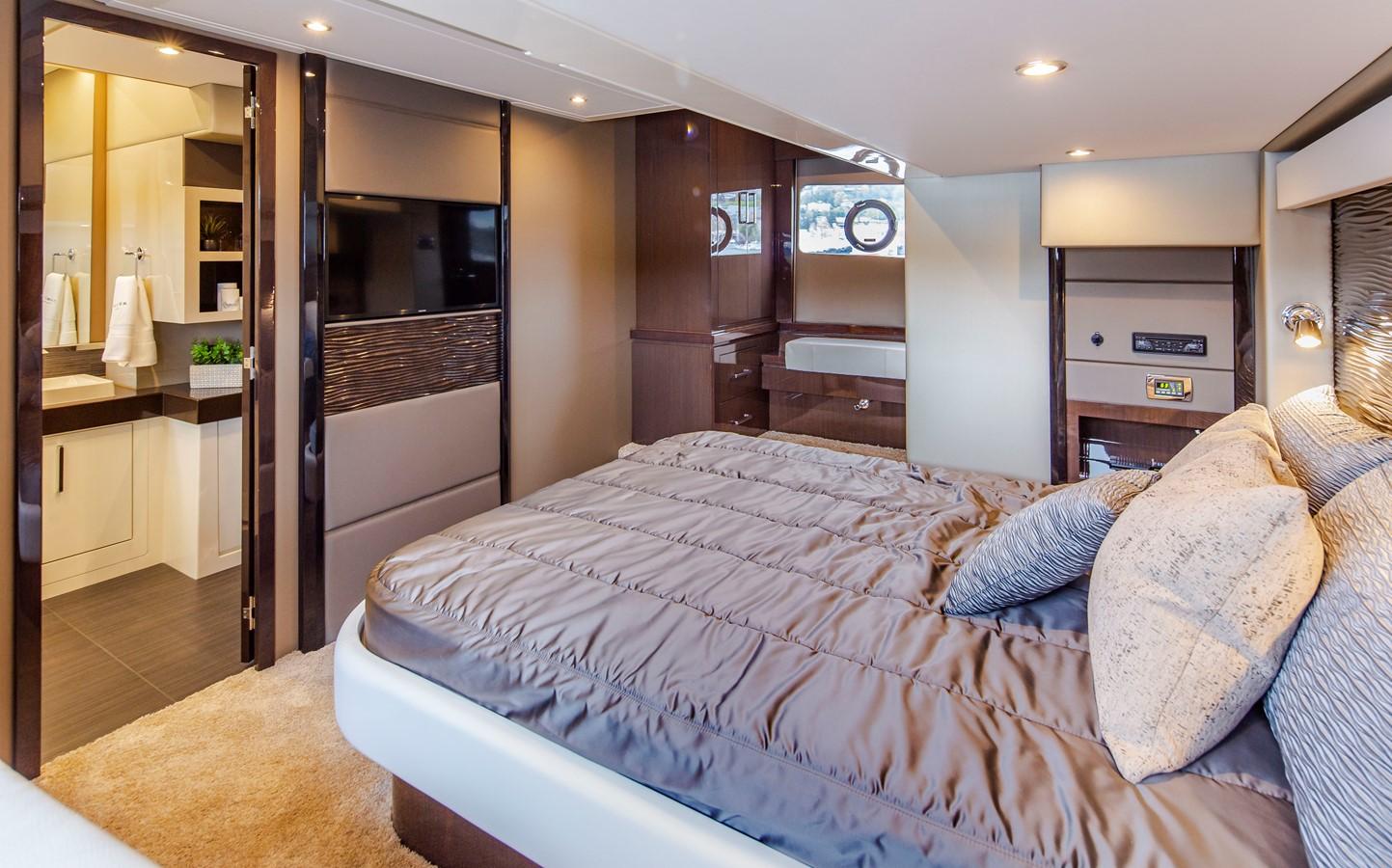 2019 CARVER C52 Motor Yacht 2520850