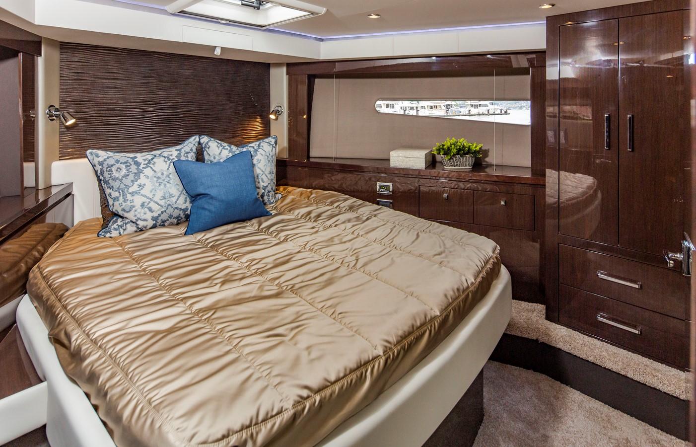 2019 CARVER C52 Motor Yacht 2520855