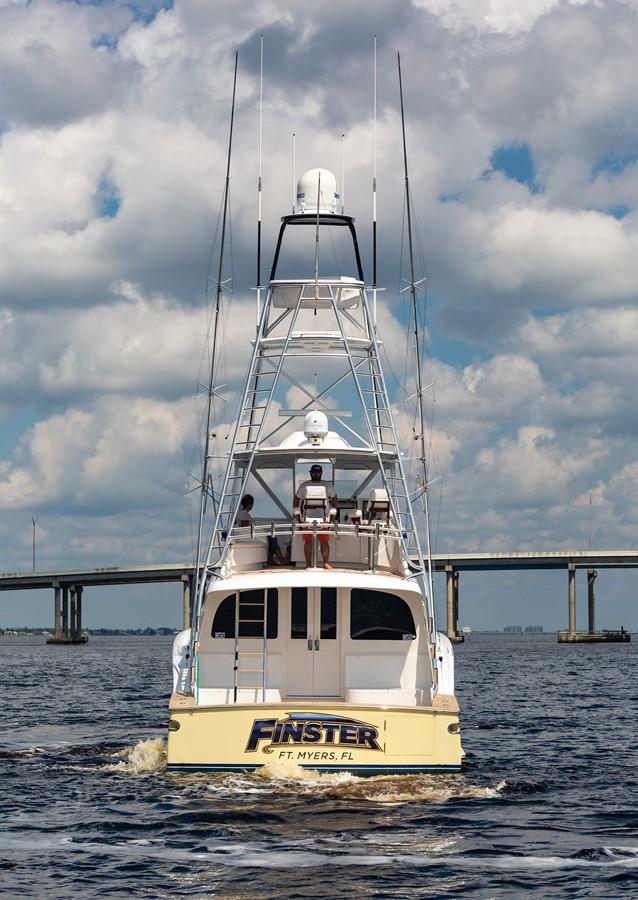 Stern 2010 CUSTOM CAROLINA Convertible Sport-Fisherman Sport Fisherman 2362852