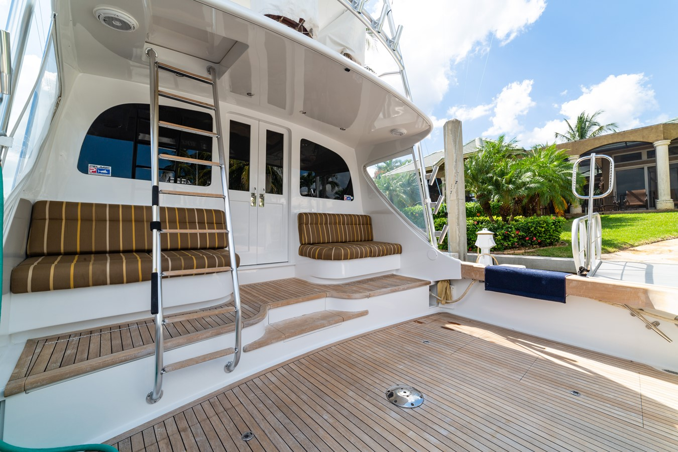 Huge Teak Cockpit with Mezzanine  2010 CUSTOM CAROLINA Convertible Sport-Fisherman Sport Fisherman 2362858
