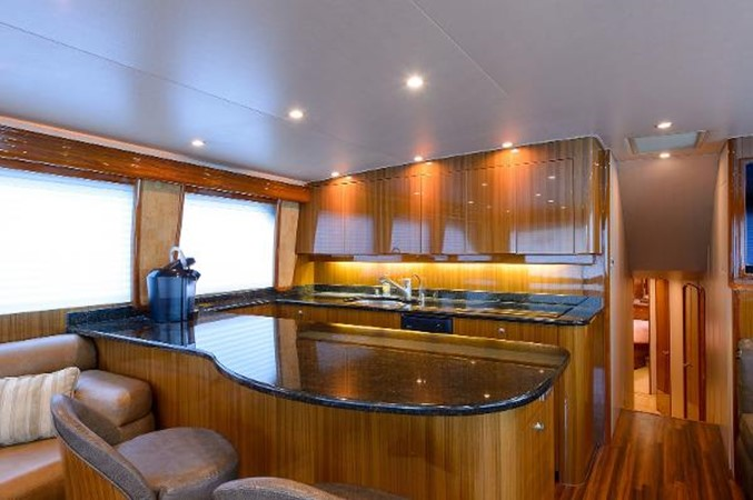 Galley 2008 VIKING Convertible Sport Fisherman 2362165