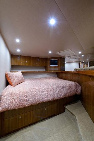 Guest Stateroom 2008 VIKING Convertible Sport Fisherman 2362175