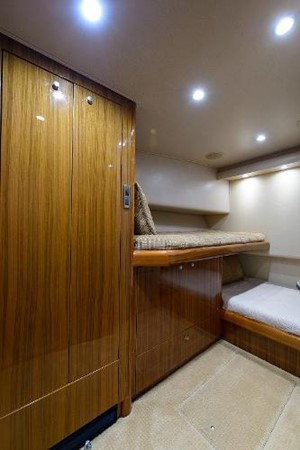 Guest Stateroom 2008 VIKING Convertible Sport Fisherman 2362177