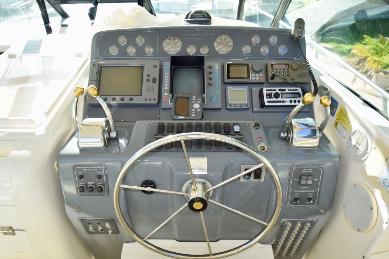 Electronics 1995 TIARA 40 Express Cruiser 2661686