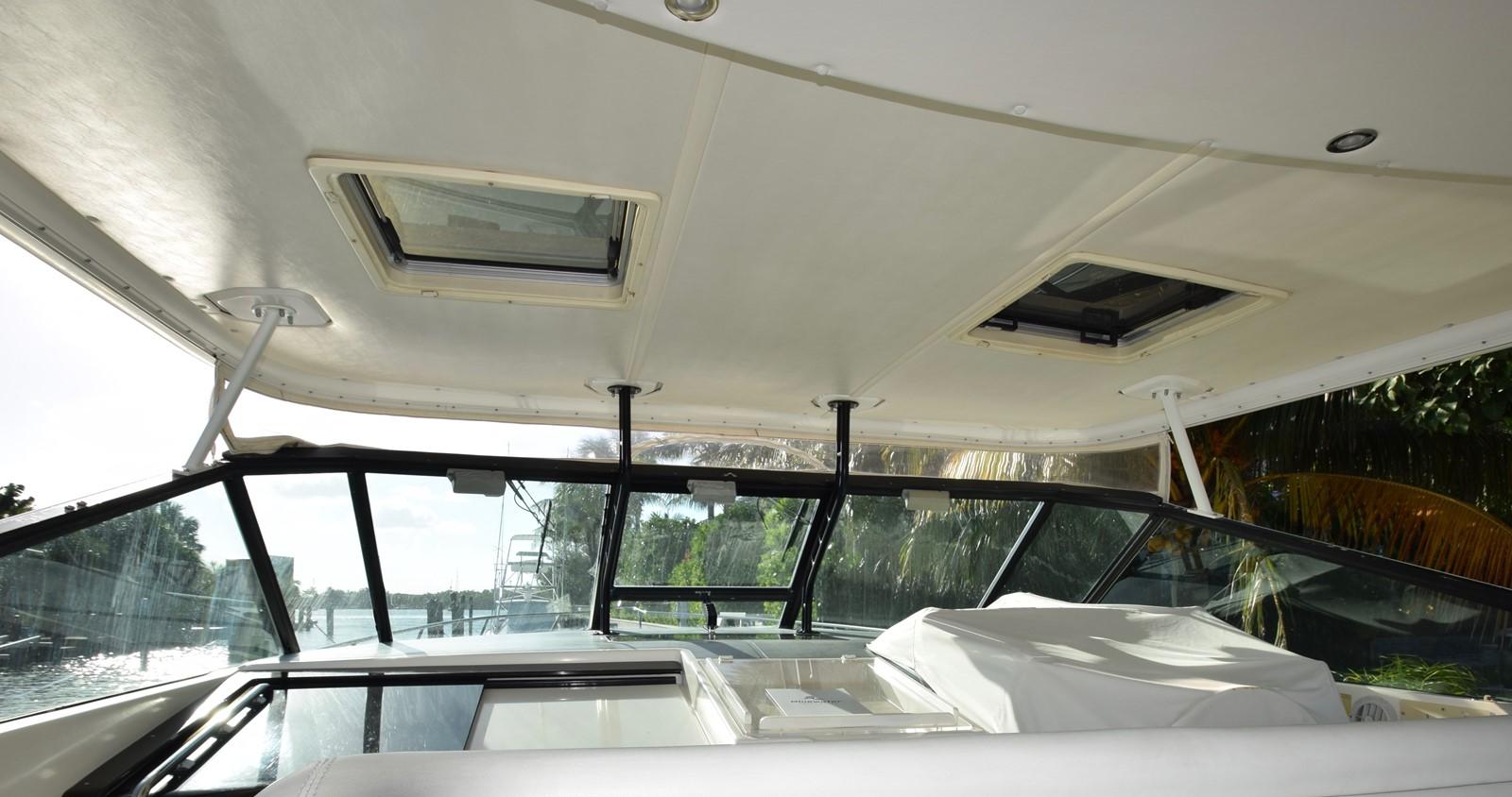 Hardtop 1995 TIARA 40 Express Cruiser 2661688