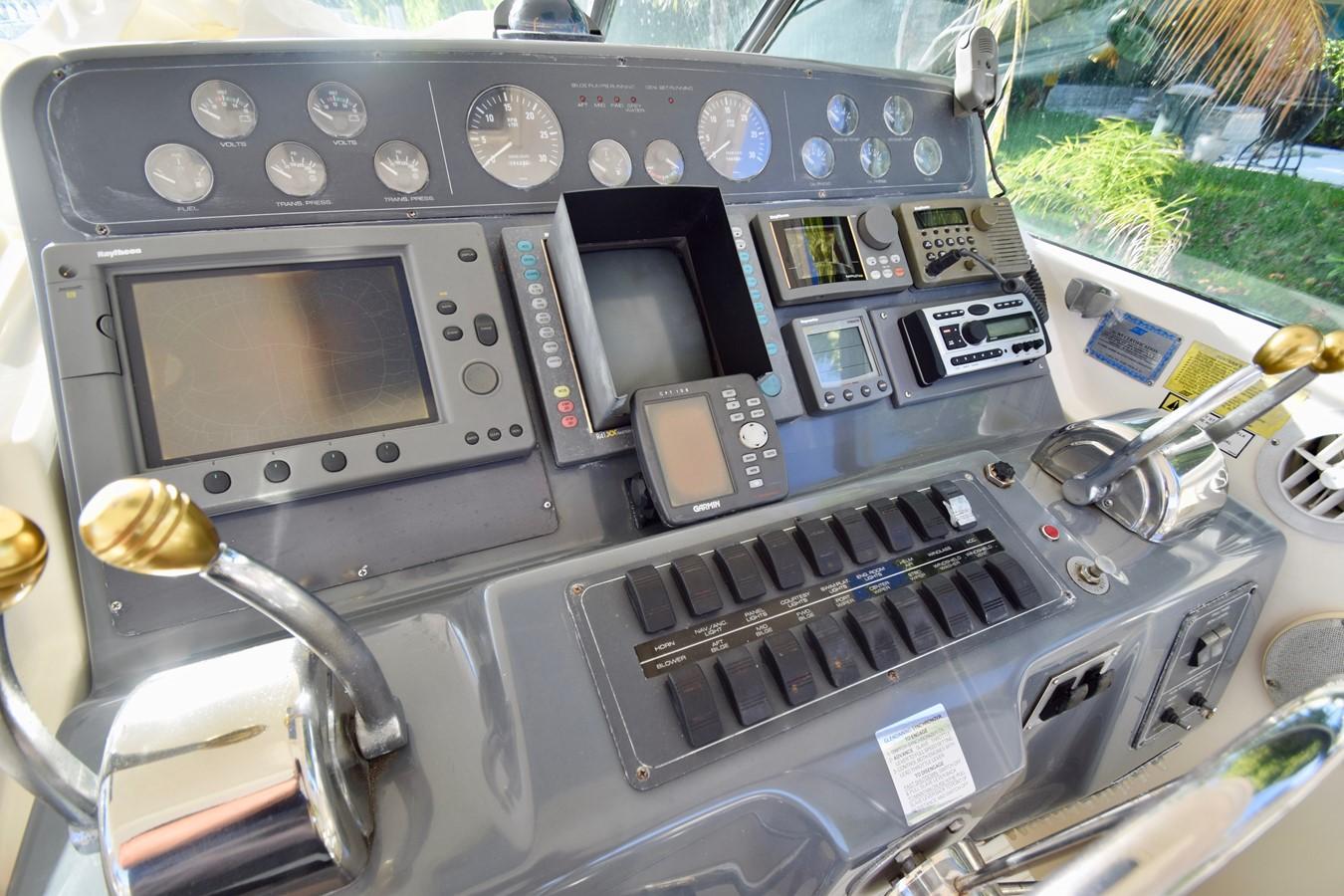 Electronics 1995 TIARA 40 Express Cruiser 2661691