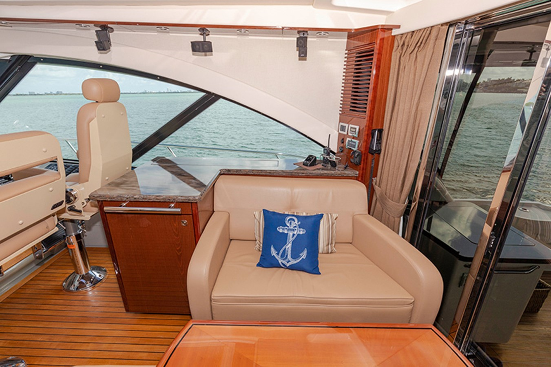 Main Salon 2013 SEA RAY 610 Sundancer Cruiser 2485730