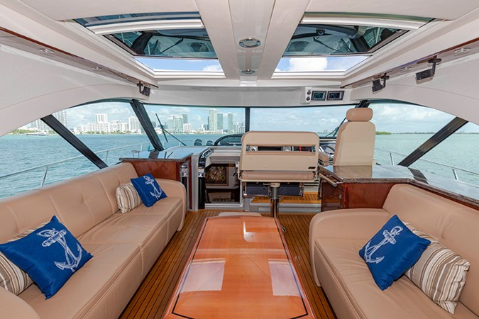 Main Salon 2013 SEA RAY 610 Sundancer Cruiser 2485728
