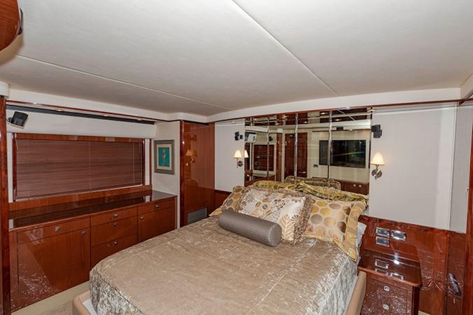 Master Stateroom 2013 SEA RAY 610 Sundancer Cruiser 2485744