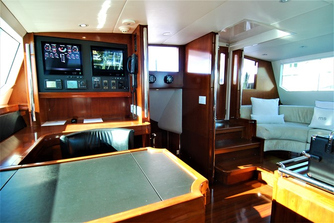 Nav Station Looking Aft 1991 WINDSHIP YACHTS  Sloop 2386300
