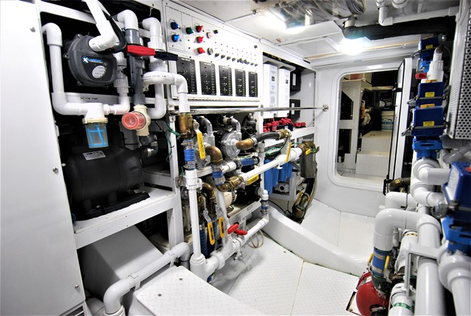 Engine Room 1991 WINDSHIP YACHTS  Sloop 2386313