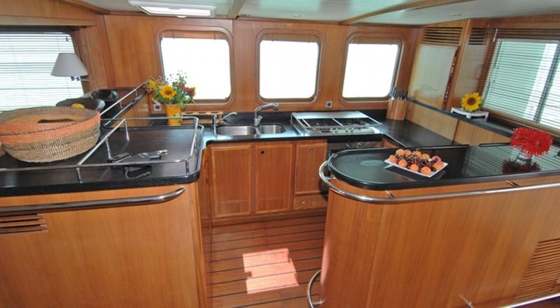 2002 TROPIC COMPOSITES YC 80 Power Catamaran Catamaran 2371332