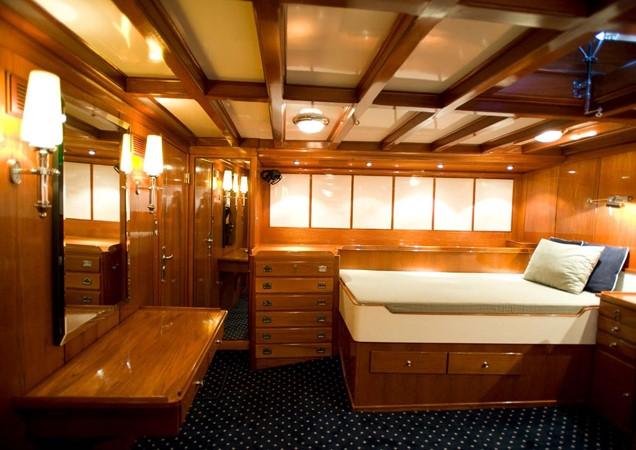 1929 CAMPER & NICHOLSONS  Racing Sailboat 2371529