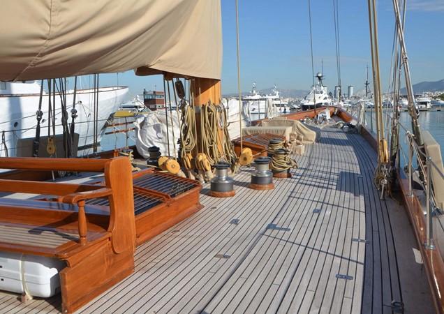1929 CAMPER & NICHOLSONS  Racing Sailboat 2371535