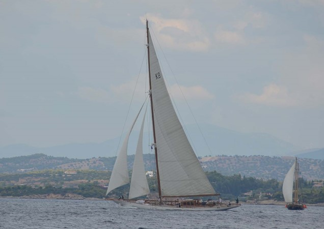 1929 CAMPER & NICHOLSONS  Racing Sailboat 2371542