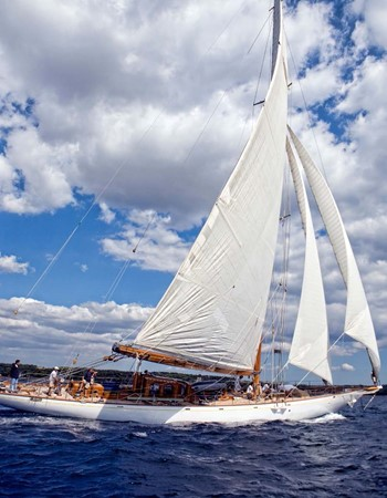 1929 CAMPER & NICHOLSONS  Racing Sailboat 2371543